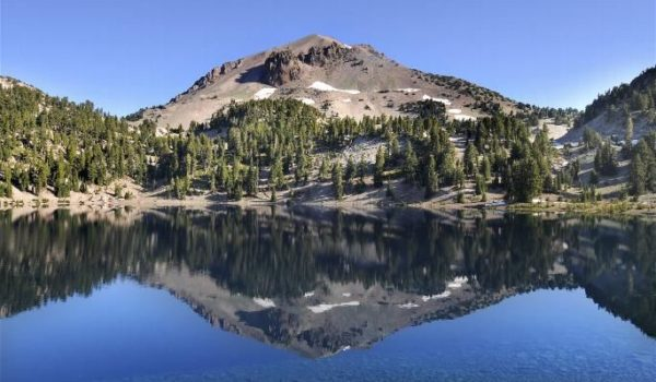 Manazita Lake in Lassen Park
